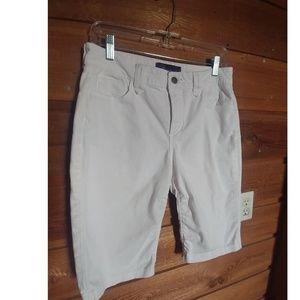 🌞 NYDJ Bermuda Shorts White Size 8